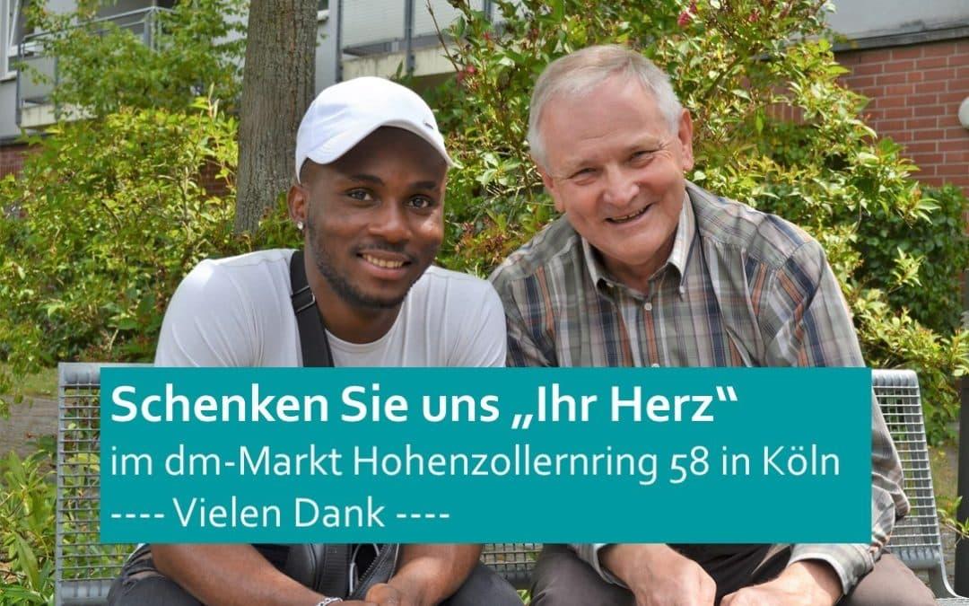 """""""Herz zeigen"""" für das Ausbildungspatenprojekt – im dm-Markt"""