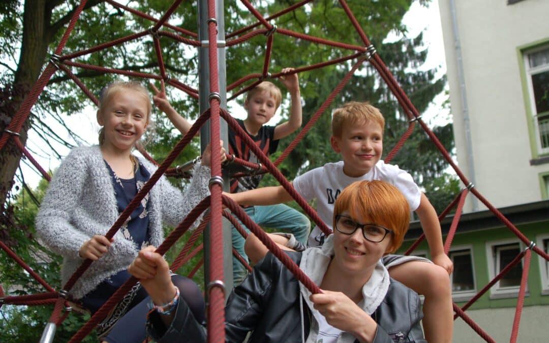 Freiwilligendienst: Sinnvolles Engagement für Jung und Alt